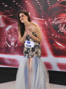 Presentation of Tatiana del Toro on American Idol first gala
