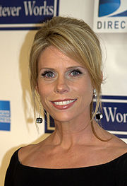 cheryl-hines-in-the-motherhood-gets-cancelled