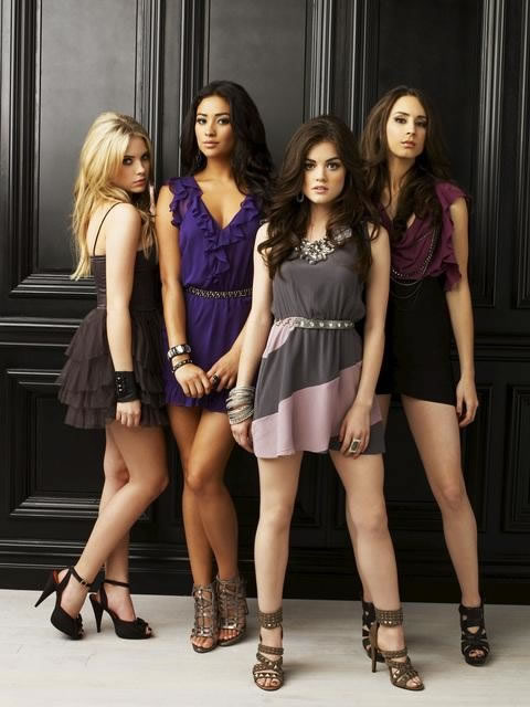 Ashley Benson, Shay Mitchell, Lucy Hale, Troian Bellisario Pretty Little Liars