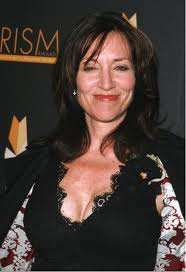 Katey Sagal wins the Golden Globe Awards for Best Performance by an actress in a television series drama