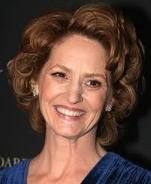 Melissa Leo wins the Golden Globe Awards for Best Supporting Actress in a Motion Picture