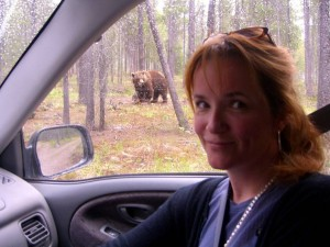 lea-thompson-keeping-up-the-randalls-cabin-hallmark-movie-channel-premieres