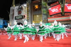 hollywood-christmas-parade-hallmark