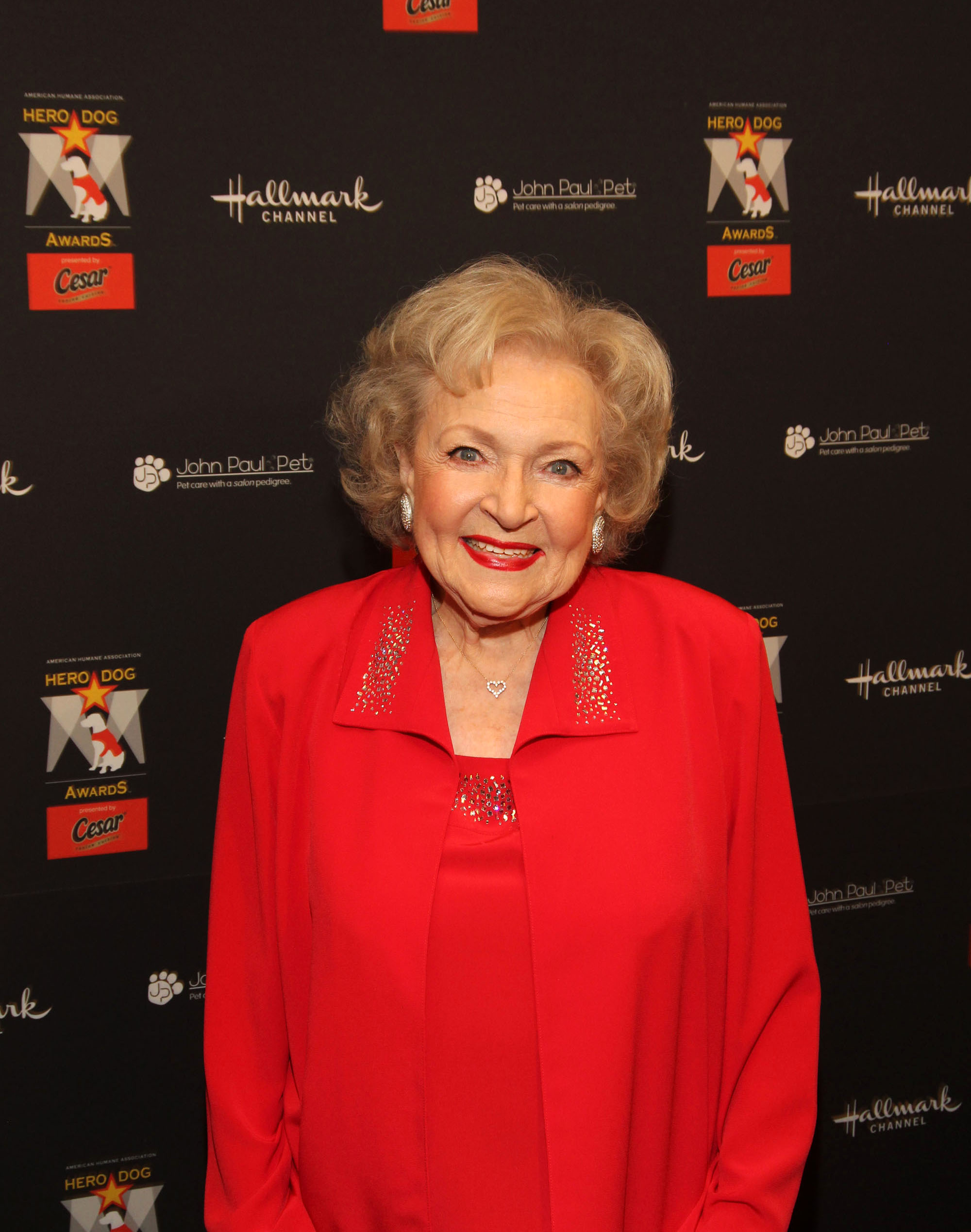 Hallmark Channel Marathon for Betty White´s 90th Birthday