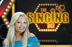 singing-bee-renewed-season-4-cmt-7