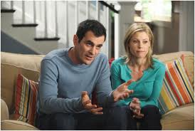 modern-family-couch-documentary-fake-show