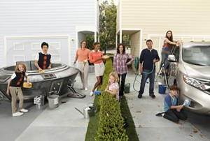 Cancelled or Renewed? ABC orders The Neighbors for three more episodes
