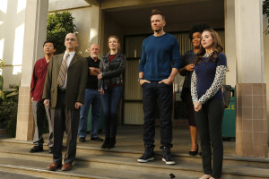 Is Hulu saving Community for #Sixseasonsandamovie?