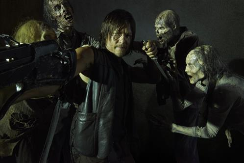 walking-dead-norman-reedus-daryl-comes-back-premieres-ammc