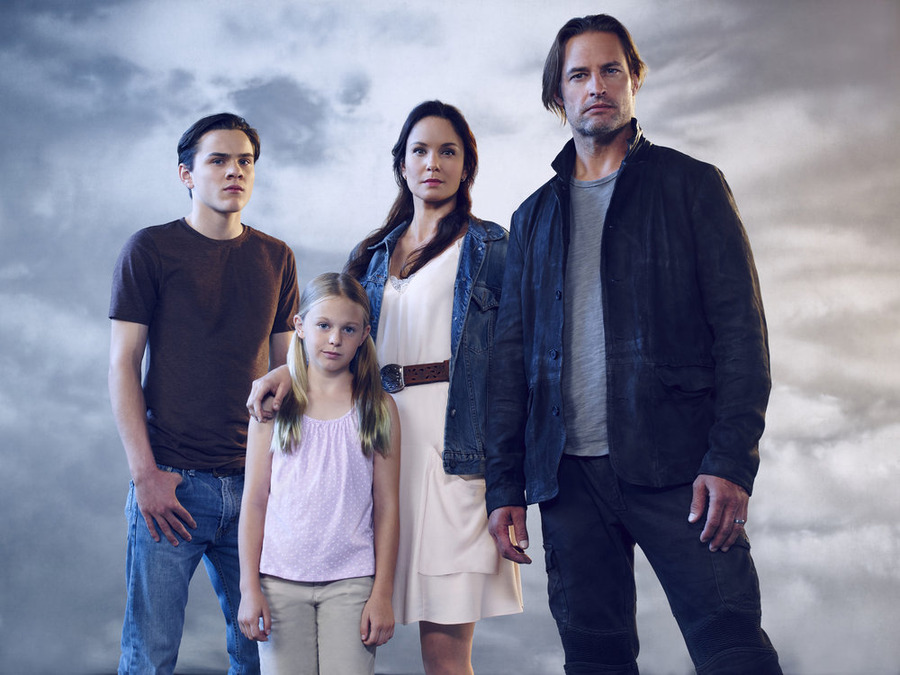 Colony Pilot Review Josh Holloway Sarah Wayne Callies