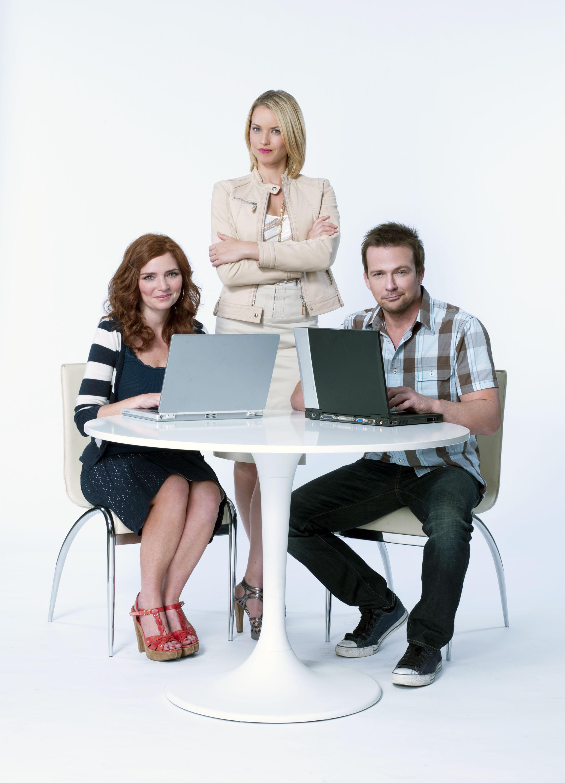 """""""Army Wives'"""" Brigid Brannagh Stars In A CRUSH ON YOU, 6/11 On Hallmark Channel"""